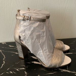 NWT Vince Camuto Corlina Leather Block Heels